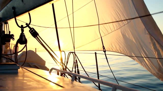 morgen brise - segeln stock-videos und b-roll-filmmaterial