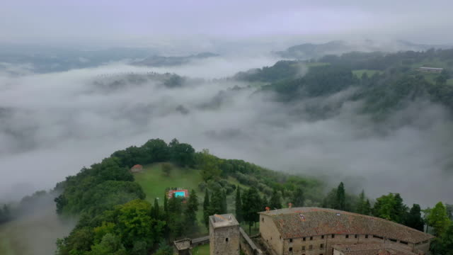 morning fog in umbria countryside, italy - hill video stock e b–roll