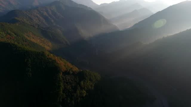 morning in the mountain - mountain range点の映像素材/bロール