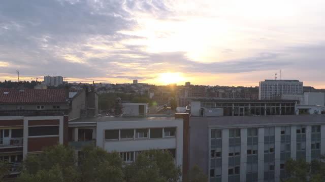 stockvideo's en b-roll-footage met morning in toulouse - sunrise - toulouse haute garonne