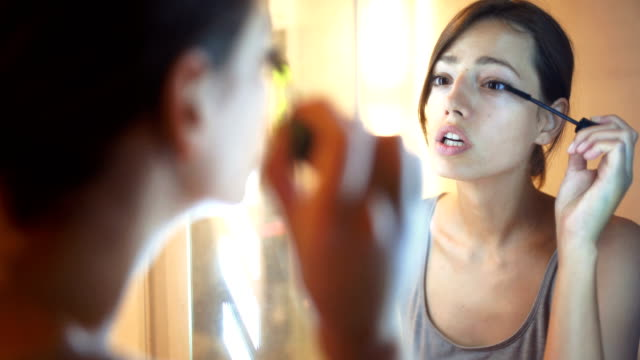 morning makeup routine. - routine video stock e b–roll