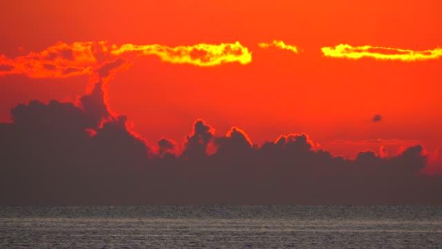 vidéos et rushes de morning mood at the bay of puerto pollenca, majorca, balearic islands, spain, mediterranean, europe - orange