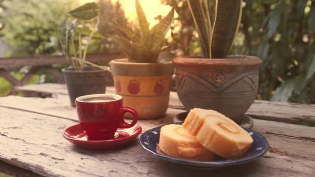 朝のシーン - マフィン点の映像素材/bロール