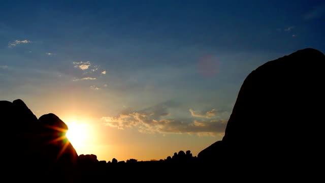 Morning time lapse at Skull Rock Joshua Tree National Park