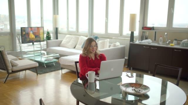 stockvideo's en b-roll-footage met ochtend werk - flexplekken