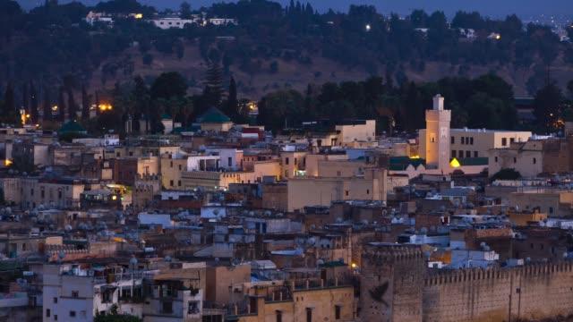 vídeos y material grabado en eventos de stock de fez marruecos - minarete