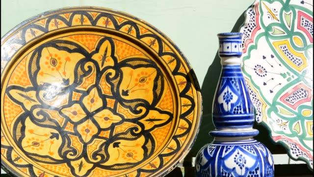 stockvideo's en b-roll-footage met morocco sekoura small berber village bowls for sale - sale