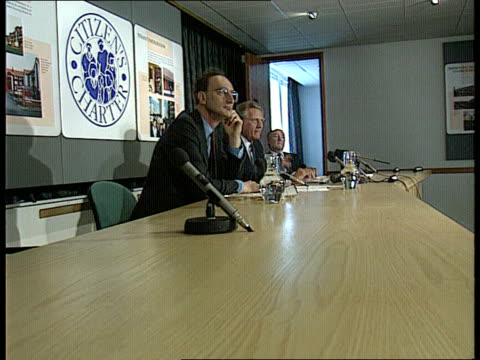 vídeos de stock, filmes e b-roll de mortgage repossessions up int doe ms michael heseltine mp environment sec marsham st seated at 'citizens charter' pkf with sir george young mp... - doe