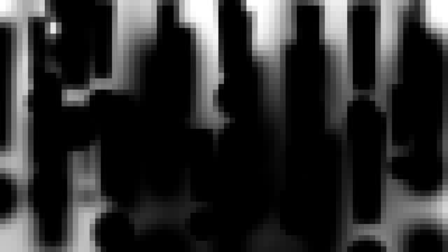 vídeos de stock e filmes b-roll de ponto de exclamação: mosaico, branco para trás (loop) - ponto de exclamação