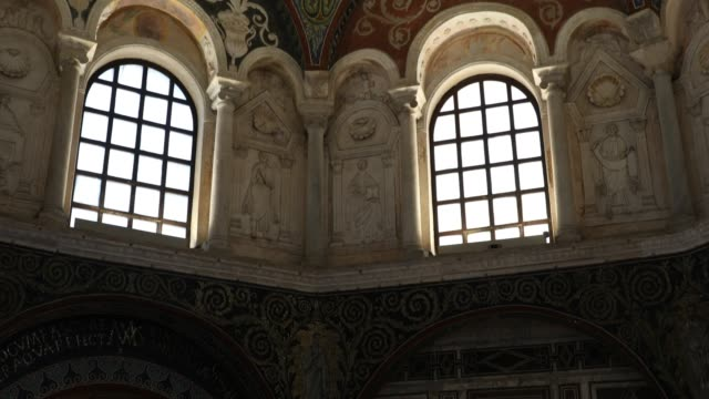 vídeos y material grabado en eventos de stock de mosaics are seen at neonian baptistery in ravenna italy founded by the bishop ursus therefore after the year 396 it was built before the transferral... - mosaico