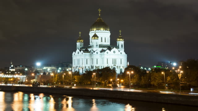 moscow cathedral of christ the saviour timelapse at night - 1931 stock videos & royalty-free footage