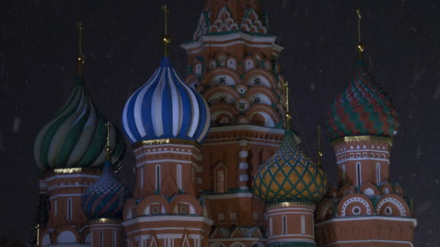 moscow russia, domes of st. basil cathedral in strong snowfal - st. basil's cathedral stock videos and b-roll footage
