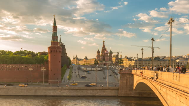 moscow russia time lapse 4k, city skyline sunset timelapse at kremlin palace red square and moscow river - moscow russia stock videos & royalty-free footage