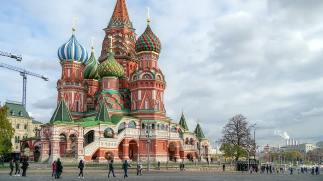 vídeos de stock e filmes b-roll de moscow russia timelapse of crowd people in red square city square in moscow - moscovo