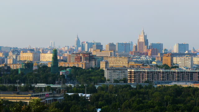 moscow view from sparrow hills, moscow, russia - collina video stock e b–roll