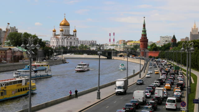 moskva river, cathedral of christ the saviour, moscow, russia - river moscva stock videos & royalty-free footage