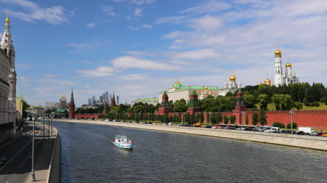 moskva river, kremlin, ivan the great bell tower, cathedral of the archangel, moscow, russia - river moscva stock videos & royalty-free footage