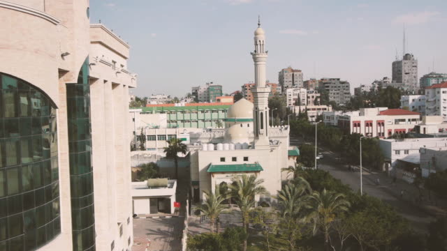 mosque gaza city pan shot - hebron west bank stock videos & royalty-free footage