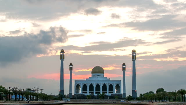 Mosque Timelapse