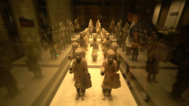 most antiques in shaanxi history museum are important cultures relics of silk road shaanxi history museum a national level museums has a rich... - gesellschaftsgeschichte stock-videos und b-roll-filmmaterial
