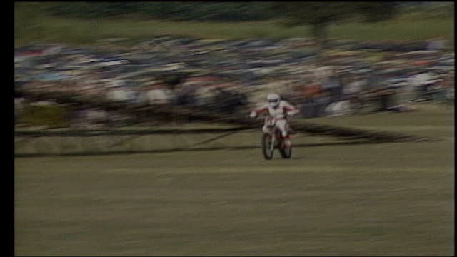 most requested modern stunts; 29.8.1983 england: kent: bromley: stuntman chris bromham with his wife donna bronham; chris bronham performing... - stunt stock videos & royalty-free footage