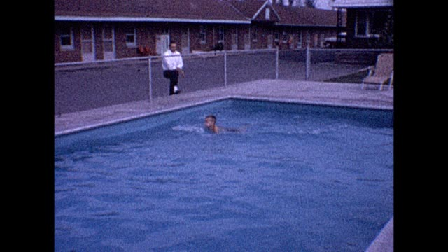 1961 motel pool - niagara falls city bundesstaat new york stock-videos und b-roll-filmmaterial