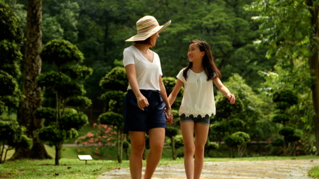 mother bonding with her preteen daughter - girls stock videos & royalty-free footage