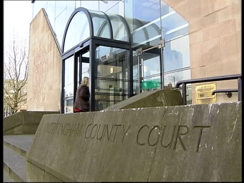 mother cleared of drowning son itn sign on wall 'nottingham county court' gv court building - ノッティンガム点の映像素材/bロール