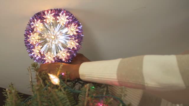 CU PAN Mother decorating Xmas Tree / Newark, New Jersey, USA