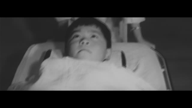 a mother's wish/children with heart disease in the hospital nikkatsu stars target of petition on street heart disease operation foreign medical... - 病気点の映像素材/bロール