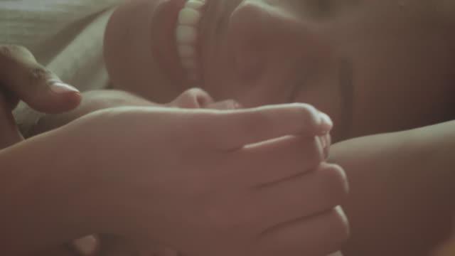 stockvideo's en b-roll-footage met moeders met pasgeboren baby's - nieuw leven