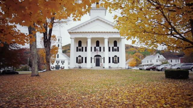 motion shot of town hall in windham county, ct, usa - connecticut bildbanksvideor och videomaterial från bakom kulisserna