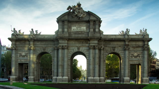 Motion Timelapse Puerta de Alcala, Madrid