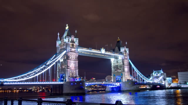 HD Motion Time-Lapse: Tower Bridge At Night