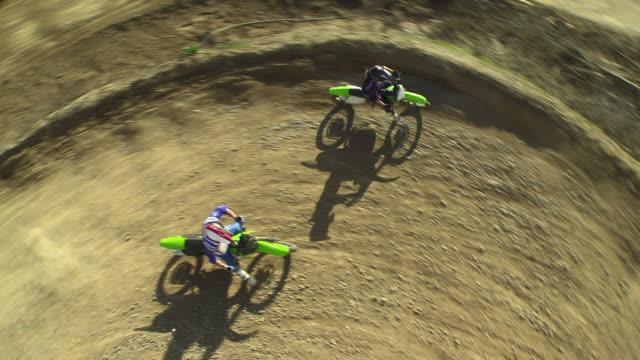 gru hd: gara di motocross - motocross video stock e b–roll