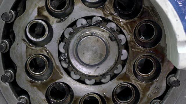 vidéos et rushes de machine à moteur - generator