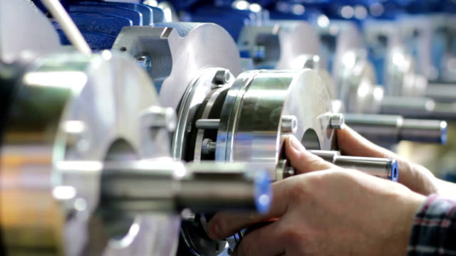 motor production line - motor stock-videos und b-roll-filmmaterial
