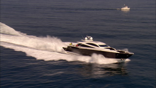 MS, HA, Motor yacht crossing ocean, near Newport, Rhode Island, USA