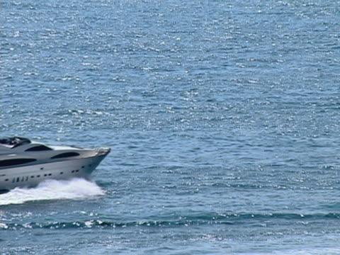 vídeos y material grabado en eventos de stock de ms, motorboat in sea, ibiza, spain - menos de diez segundos