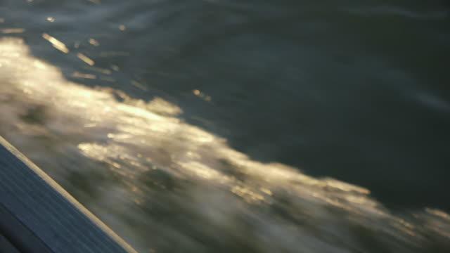 motorboat wake off starboard side - wiese video stock e b–roll