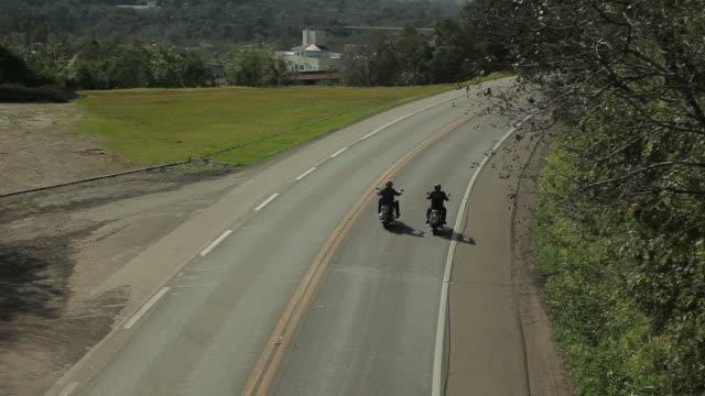 vídeos de stock e filmes b-roll de motorizada 05 - capacete moto