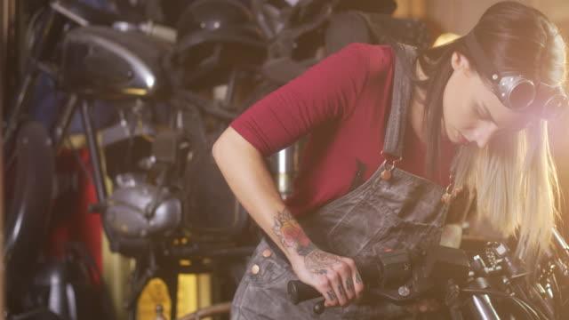 Motorrad-Reparaturwerkstatt