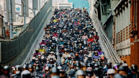 motorcycle waterfall, crowed of people are riding scooters in taipei - taipei stock videos & royalty-free footage