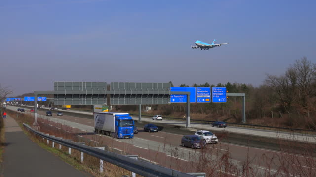 Motoway A5 and landing airplanes for Frankfurt Airport, Frankfurt am Main, Hesse, Germany