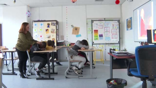 mounib adam rafi boubacar sanjay and alioune become the first autistic secondary school students in france benefiting from a tailor made programme... - persone con disabilità video stock e b–roll