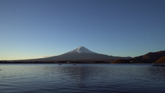 mount fuji at dawn with clear sky - lakeshore stock videos & royalty-free footage