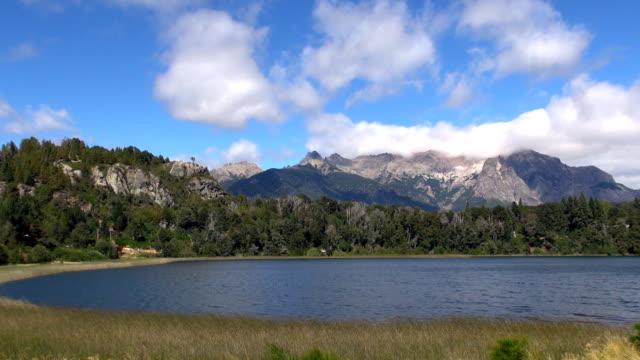 vidéos et rushes de mont lopez-bariloche en argentine - plan large