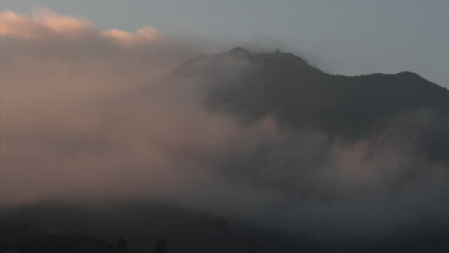 WS PAN Mount Tamalpais covered with morning fog, Mill Valley, California, USA