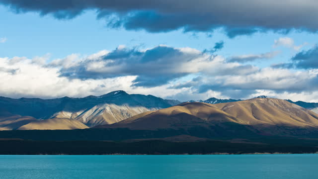 mountain around lake pukaki / new zealand - mountain range stock videos & royalty-free footage