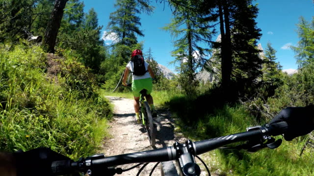 mountain bike in speed motion - mountain bike video stock e b–roll